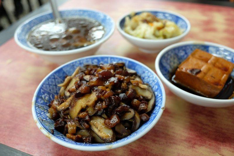 小王煮瓜的香菇魯肉飯。 圖/黃仕揚 攝影