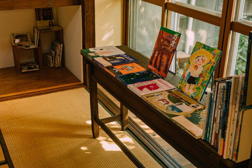 漫慢書屋提供「每月寄一冊繪本到家裡」的服務。 圖/施清元攝影