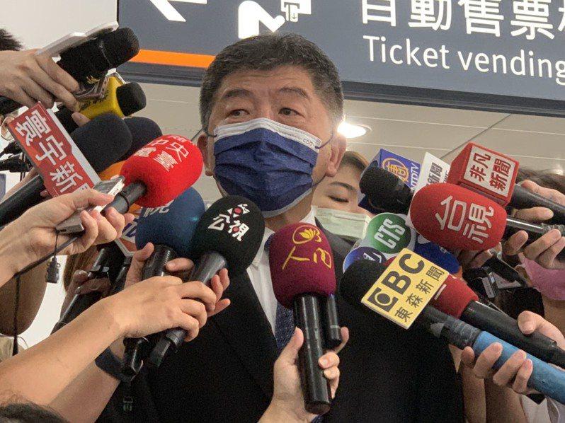 衛福部長陳時中批評加利犯法在先,後續強調品質佳,已經嚴重破壞國人對國家隊的信心,批「不要在那邊五四三」。記者陳雨鑫/攝影