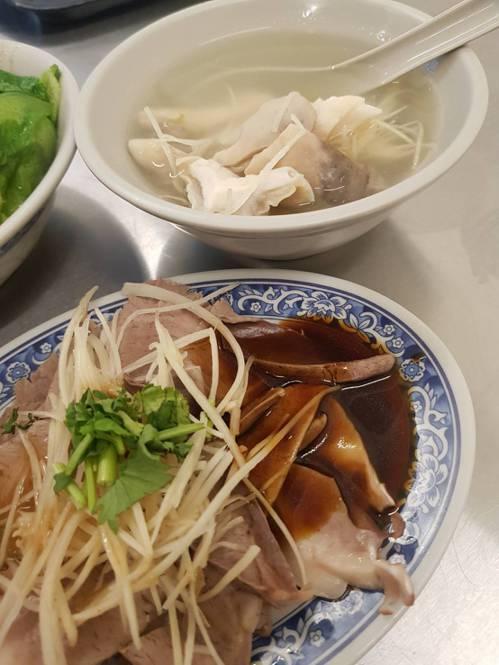 董氏基金會表示,農委會曾說國人不吃進口冷凍豬內臟,事實上就是有,且未來進口多以「...