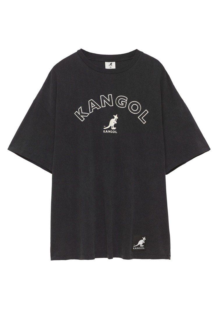 H&M與Kangol聯名系列T恤499元。圖/H&M提供