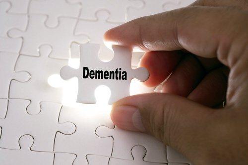 有一系列政策行動可以大幅降低或延緩失智症發生。圖/123RF