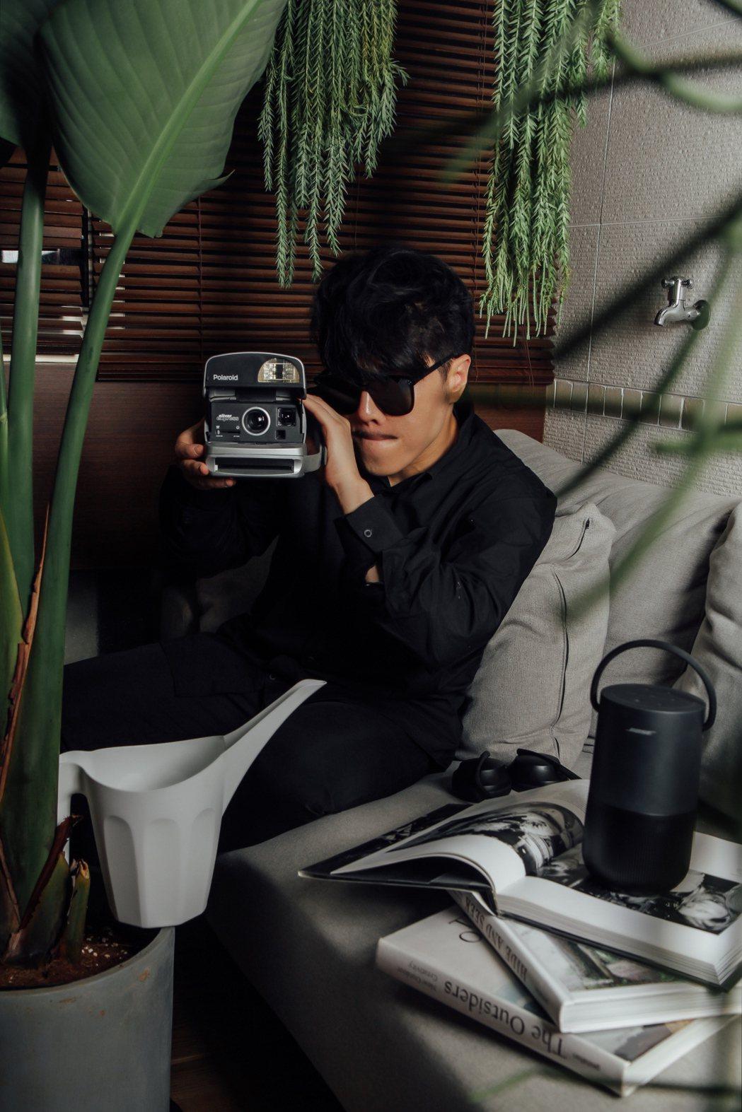 公益歌手范景翔為潮流品牌擔任擔任第一屆「潮玩療癒公益大使」。圖/范禾文化提供