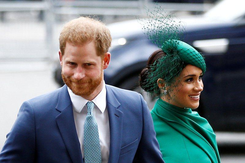 哈利王子(左)和梅根簽約Netflix的價碼據推估可達1億5000萬美元。路透