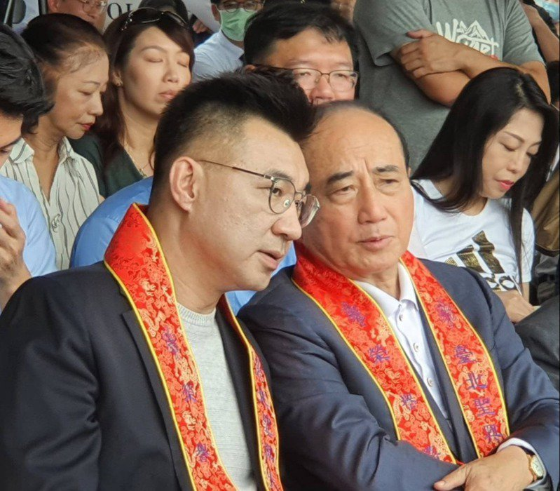 外傳立法院前院長王金平(右)將代表國民黨參加海峽論壇。左為國民黨主席江啓臣。圖/聯合報系資料照片
