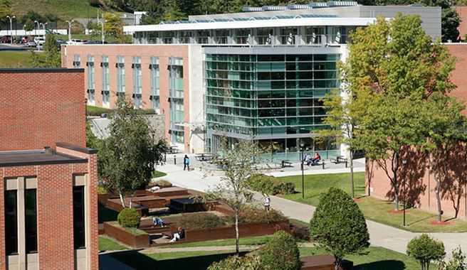 紐約州立大學安利安他分校確診率高達13%,本學期改為全部網路教學。圖/取自學校網...
