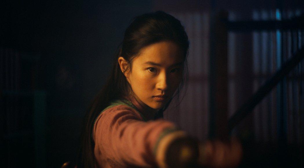劉亦菲為演好「花木蘭」接受了3個多月的訓練。圖/迪士尼提供