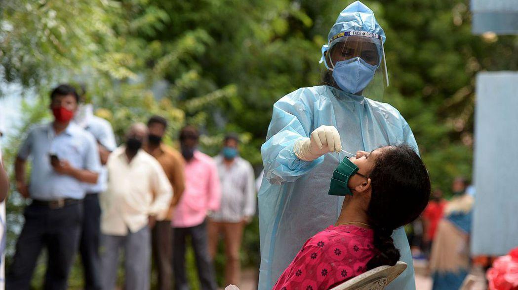 印度新冠肺炎確診人數突破400萬。法新社