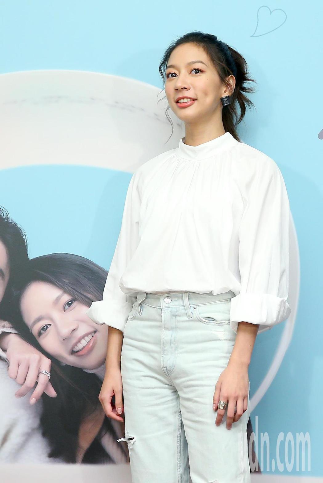 電影《可不可以,你也剛好喜歡我》上映三周票房近6000萬,陳妤出席在台北欣欣秀泰...