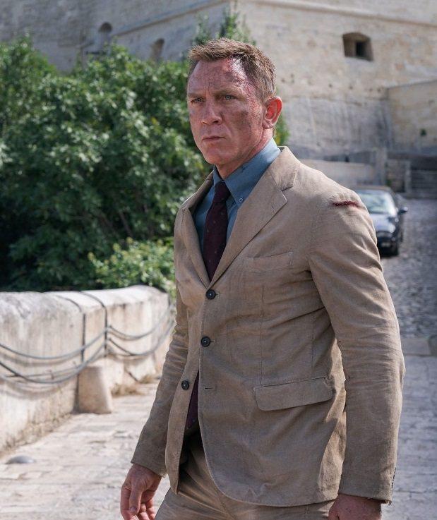 丹尼爾克雷格在「007生死交戰」面臨危機,常弄得傷痕累累。圖/摘自imdb