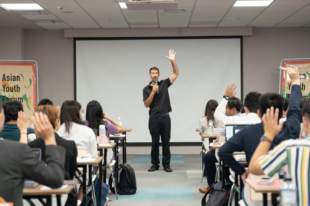 無校園大學(Minerva School)亞洲區總裁Ken Ross表示,新冠疫...