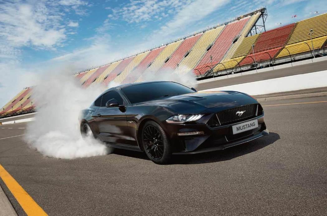 Ford Mustang是銀幕硬漢必備車款。 圖/福特六和提供