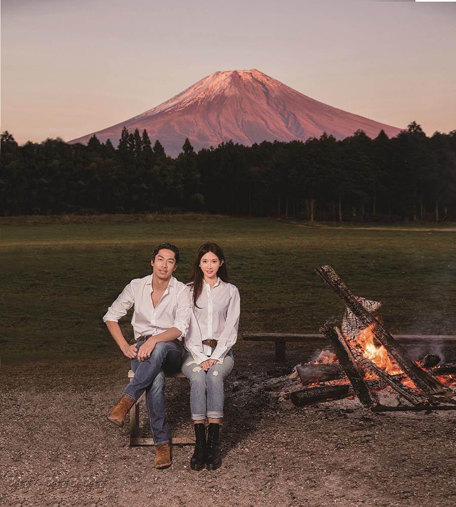 林志玲、AKIRA合拍年曆,秀出一連串美照。圖/志玲姊姊基金會提供
