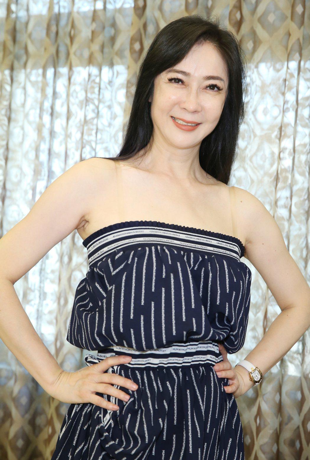 53歲顧婕認為恢復單身後人生更自在。記者曾學仁/攝影