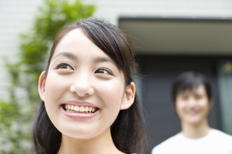 大笑是一種很好的排毒運動,能排肺部濁氣,並使氣血通暢。 圖片/ingimage