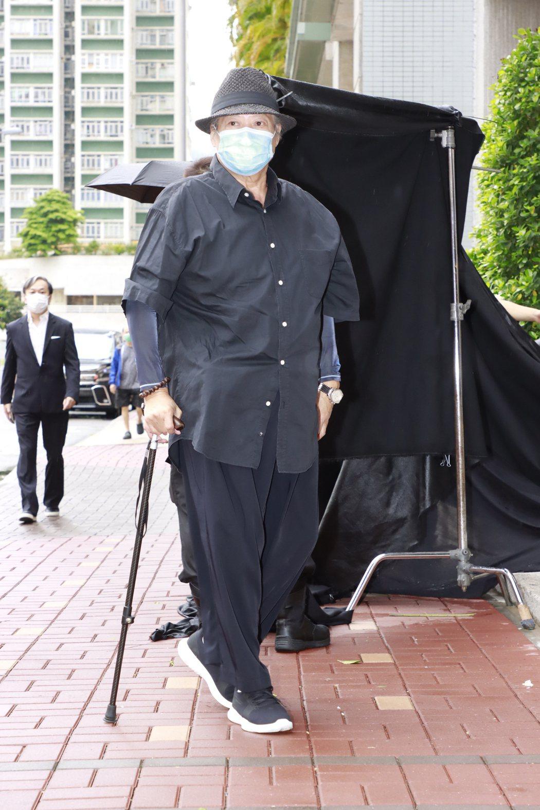 洪金寶參加香港導演陳木勝告別式。圖/視覺中國