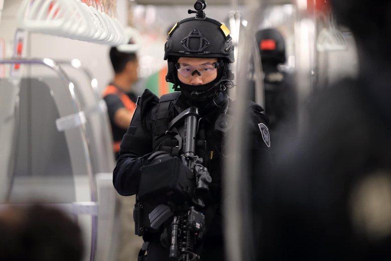 隸屬警政署的維安特勤隊平常主要任務為執行國內反暴力、反破壞、反劫持及反劫機(船)等特殊任務。 圖/取自NPA署長室