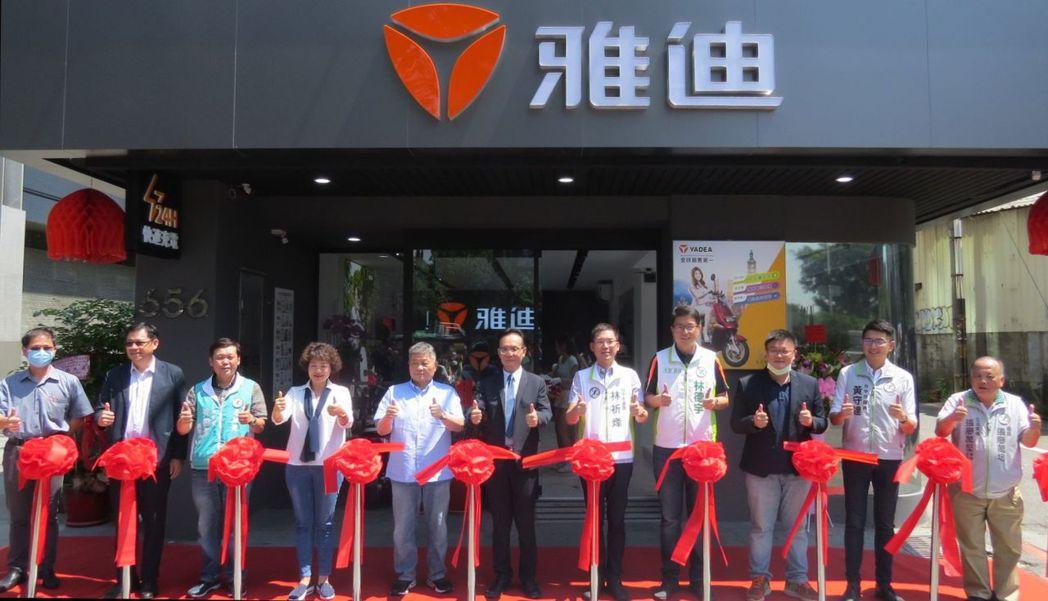 能海電能科技首次發表,主打快充只要10分鐘、台灣國產鋰鐵電池、終身免月租的輕型快...