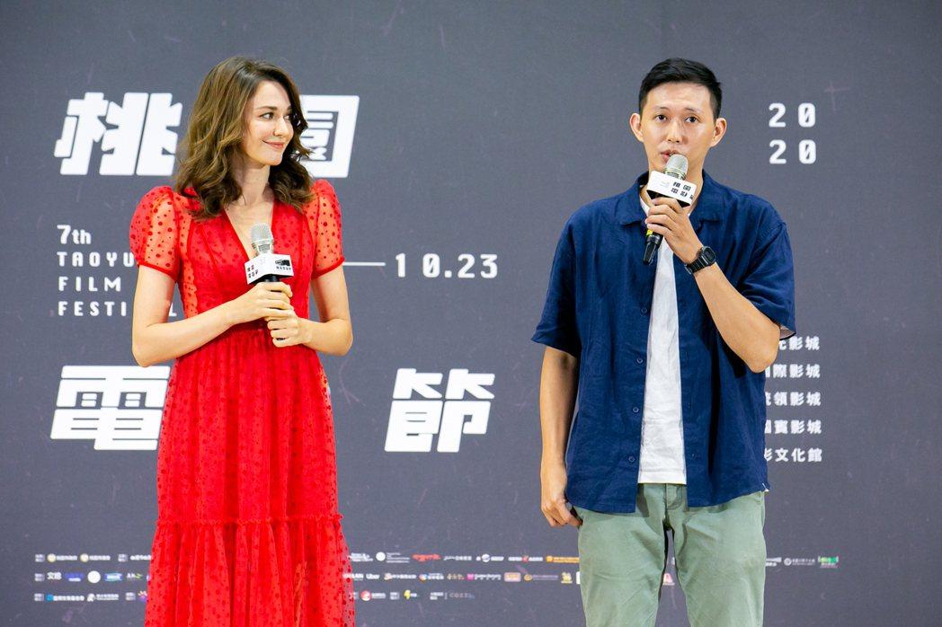 瑞莎(左)擔任第7屆桃園電影節大使,和影展形象影片導演莊翔安(右)一同出席活動。...