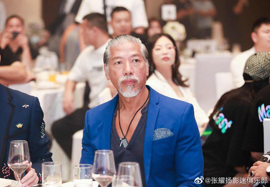 57歲張耀揚近照曝光。 圖/擷自微博