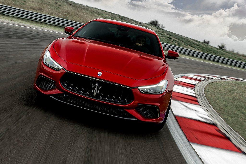 這也是Maserati Ghibli車系首度搭載V8引擎的性能車型。 圖/Mas...