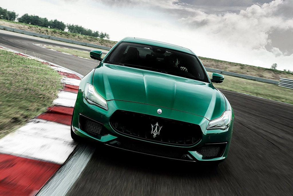 Maserati Ghibli Trofeo、Quattroporte Trof...