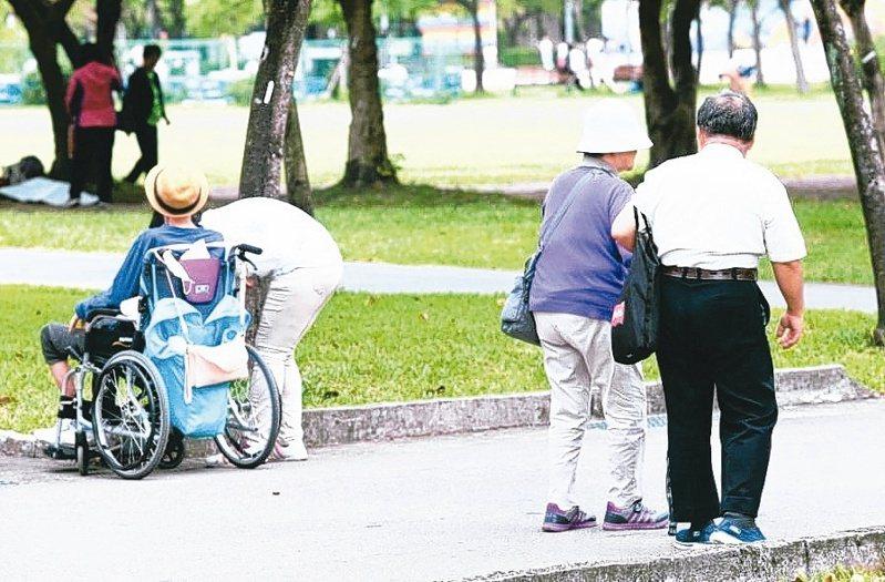 台北國稅局指出,個案的贈與人於贈與後兩年內死亡,該筆贈與就涉及遺產稅。圖為示意圖,非新聞當事人。報系資料照片