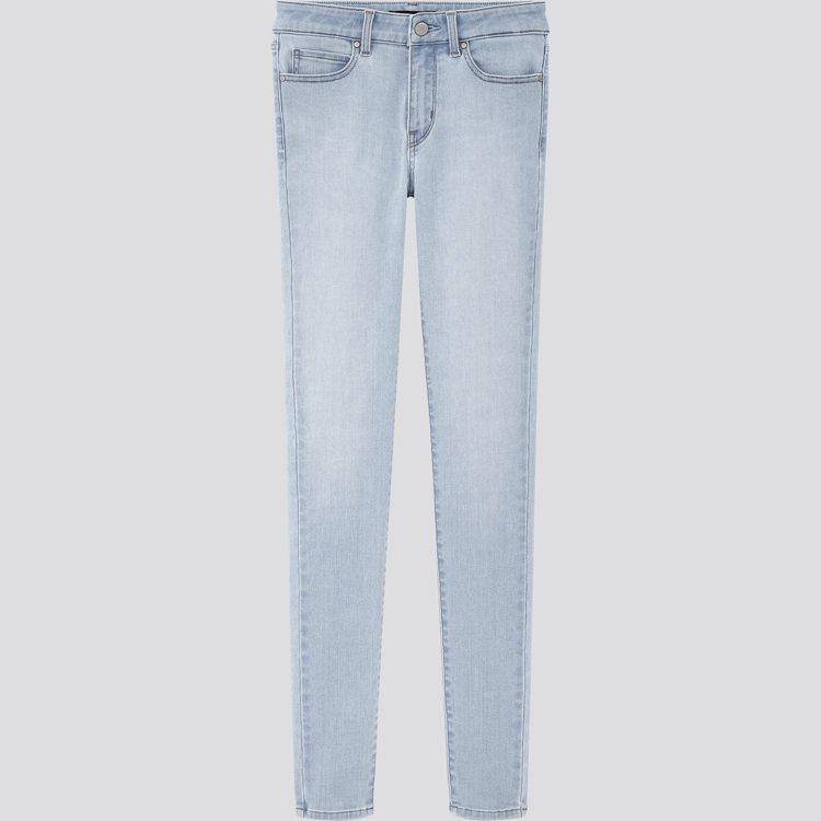 UNIQLO女裝特級彈性牛仔褲1,290元。圖/UNIQLO提供