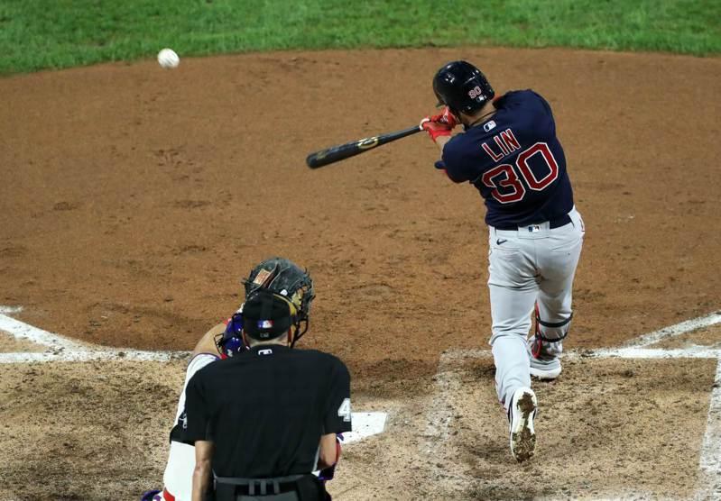 旅美好手林子偉任先發第8棒,生涯首度守右外野,總計3打數2安打是本季首場雙安比賽。 法新社