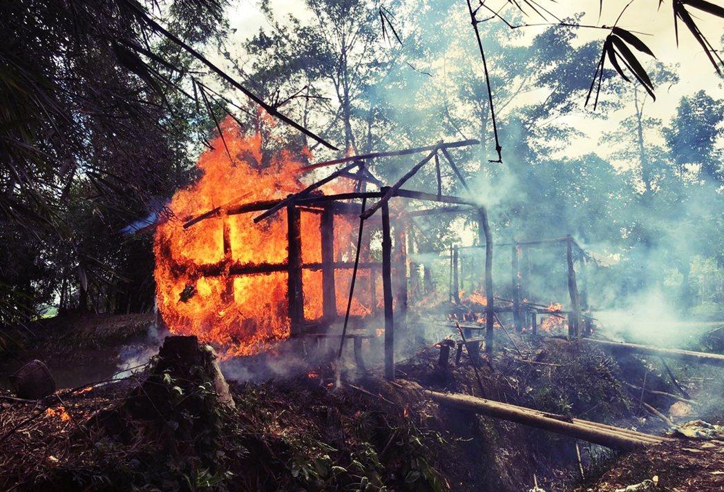 「把你所看到的、所聽見的,全部殺光。」圖為2017年9月,緬甸若開邦一處找火的羅...