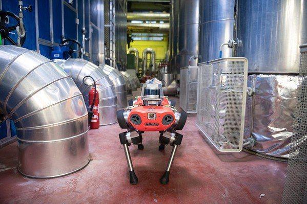 圖2 : 結合移動載具技術和智慧判別系統的機器人是巡檢智慧化的必然趨勢。(source:Inceptive Mind)