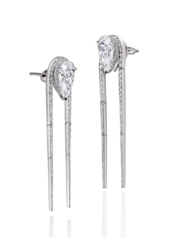 蘇富比鑽石攜手華裔設計師劉孝鵬創作的楊柳耳環,價格私洽。圖/蘇富比提供