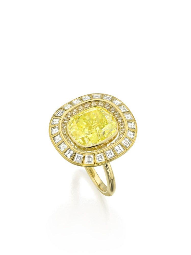 蘇富比鑽石攜手華裔設計師劉孝鵬創作的太陽戒指,價格私洽。圖/蘇富比提供