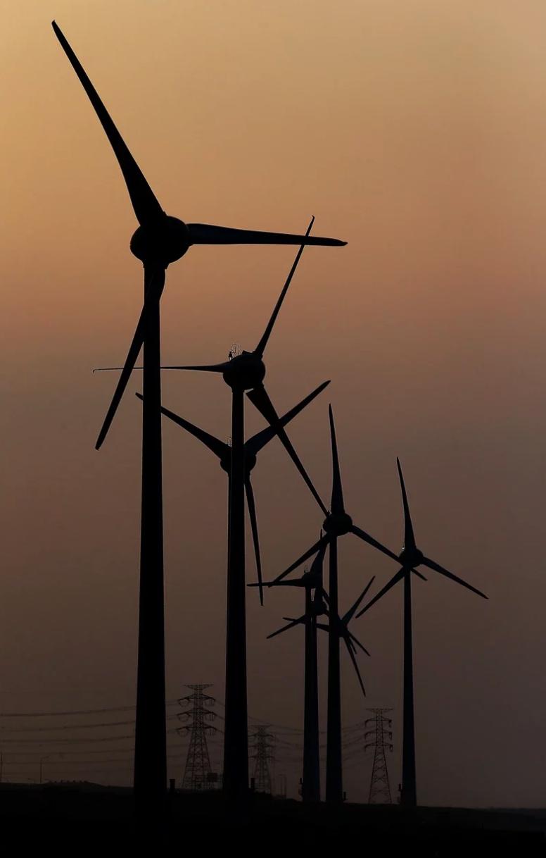 民眾黨立委蔡壁如等人表示,政府推用電大戶使用再生能源牛步,應檢討改進。圖/本報系資料照