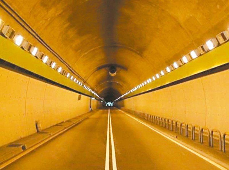 辛亥隧道過去因交通事故蒙上濃濃靈異詭譎印象。圖/北市交通大隊提供