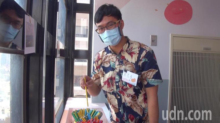 血癌病房設有「健康籤」筒,病友隨時可抽一支,讓正向籤文注入能量。記者王昭月/攝影