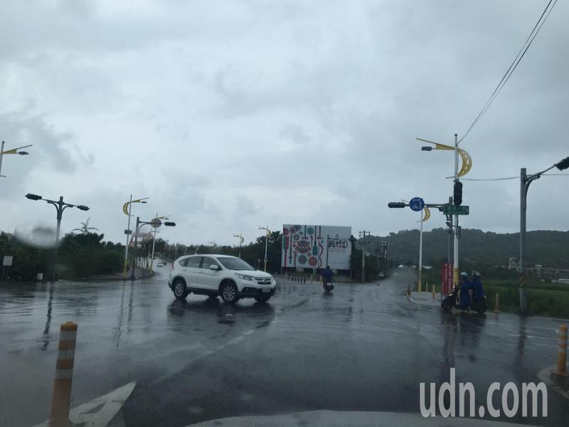 花蓮縣今天下午發生大規模停電,市區紅綠燈失靈,交通大受影響。記者王燕華/攝影