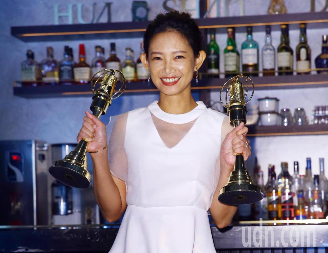 吳奕蓉去年拿下金鐘獎主持人獎,今年再度入圍自然科學及人文紀實節目主持人獎,還以迷...
