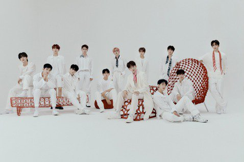 南韓男團「SEVENTEEN」今天在日本推出最新迷你專輯「24H」,首日出貨就突破45萬張,根據經紀公司公布的數字,他們今年在日、韓發行作品銷售量已超越230萬張,雖受疫情影響雖無法飛往日本宣傳,但...