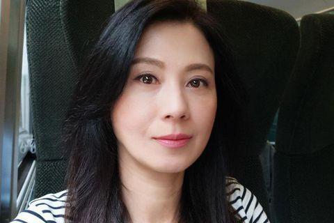 昔日「軍中情人」代表涂善妮,早先因演出「花系列」電視劇在台灣爆紅,不過卻因忙於拍戲讓身體出現狀況,選擇淡出演藝圈旅居加拿大調養身體;她在32歲傳出與編劇李昌民閃婚,豈料兩人婚姻維持不到一年就離婚。近...