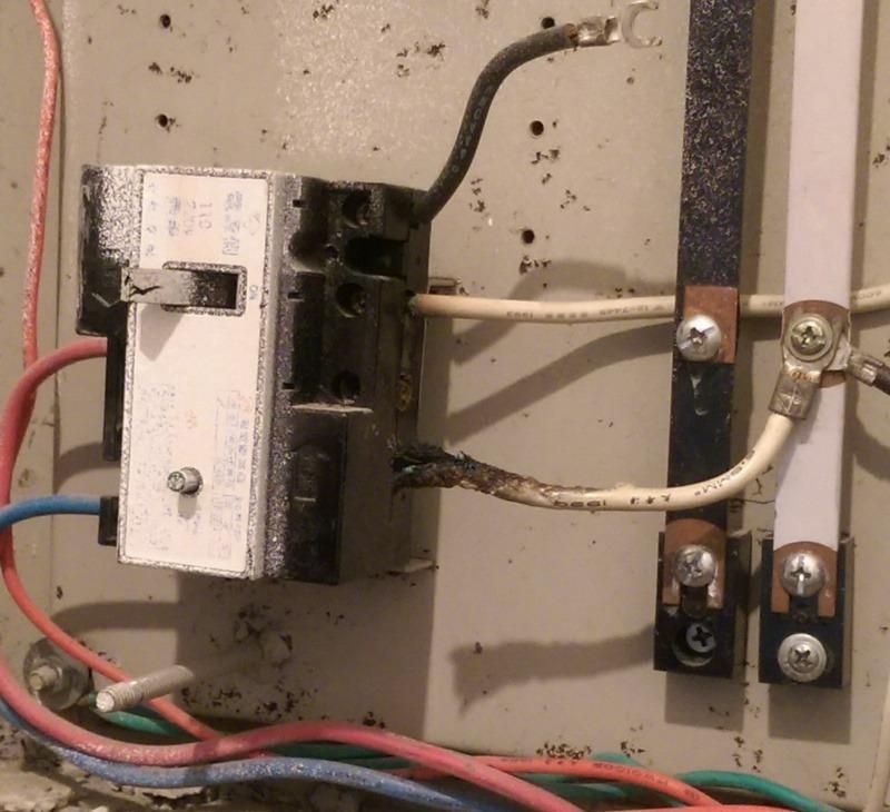 若家中經常跳電,就要找專業合格水電師傅來檢查。圖為燒掉的電線 圖/Chiying