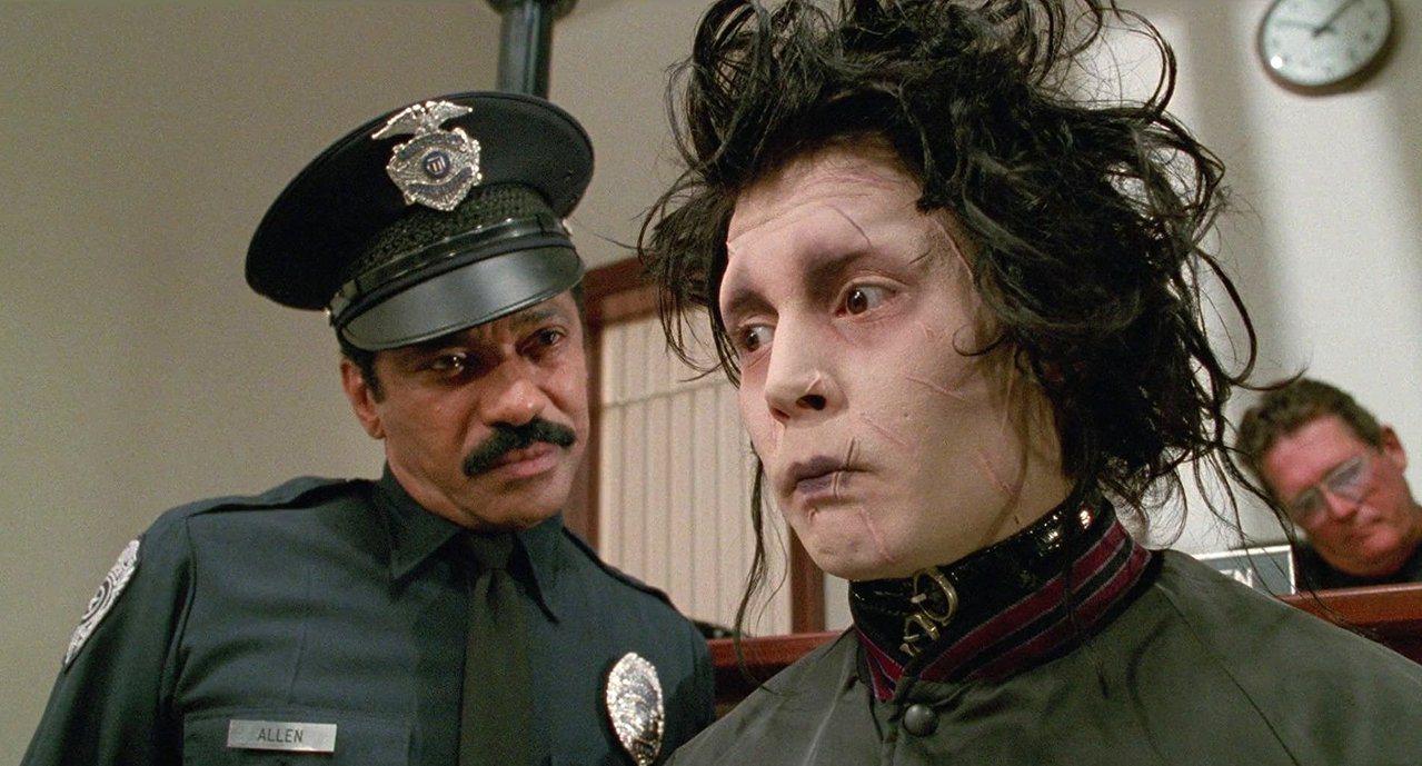 飾演愛德華的Johnny Depp表示,他在劇中僅有169個字的台詞,為了能更生...