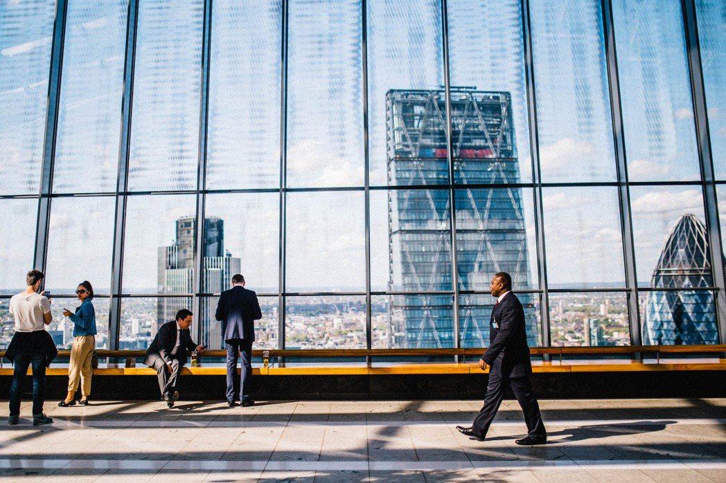 要能夠獲得主流企業 CSR 資源的連結,善的使命及動人的故事是一時的,社會創新能...