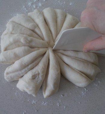 義式甜甜圈:平均分割成20 等份。 圖/幸福文化 提供