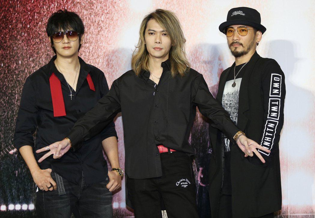 華語樂壇的「動靜樂團」,在神隱15年之後,推出繼往開來的新歌《新相信未來》,成為...
