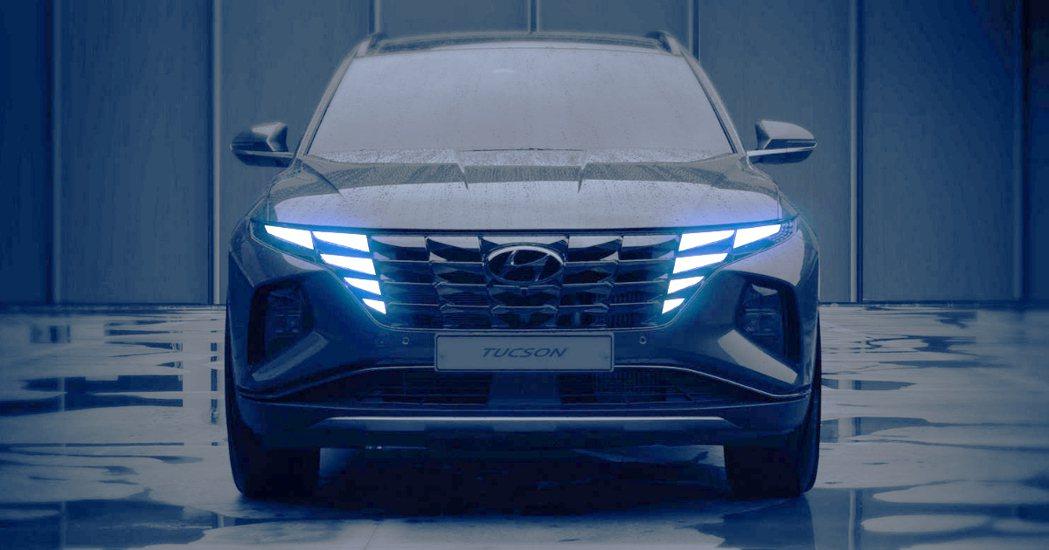 大改款Hyundai Tucson是車系第一款使用Sensuous Sporti...