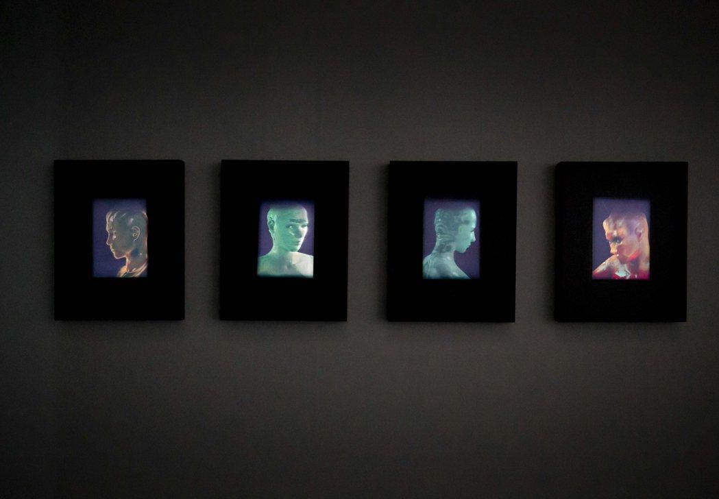 藝術家林珮淳在南美館展出「夏娃克隆啟示錄–林珮淳+數位藝術實驗室創作展」。南美館...
