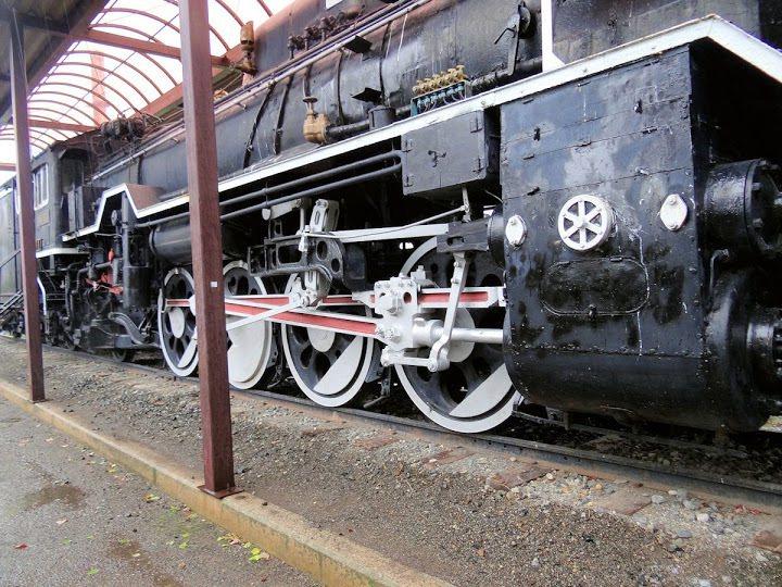 蒸汽機関車D51 824號
