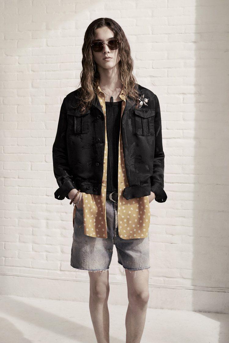 層次穿搭、細節裝飾,也強調了打扮的樂趣與多變。圖/Saint Laurent提供