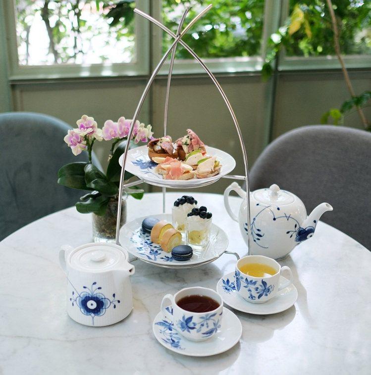 皇家哥本哈根「餐桌上的綻藍花園」聯名下午茶 (雙人份,每人三鹹三甜加一杯飲品) ...